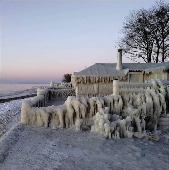 denmark-baltic-sea05戦争犯罪を隠しきれるか探りに朝鮮女狐が逝く予定の三月の凍り付いた海
