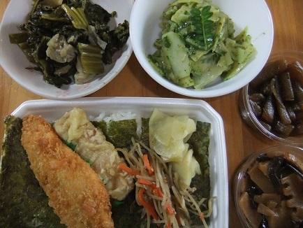のり弁、木の芽和え、高菜、佃煮