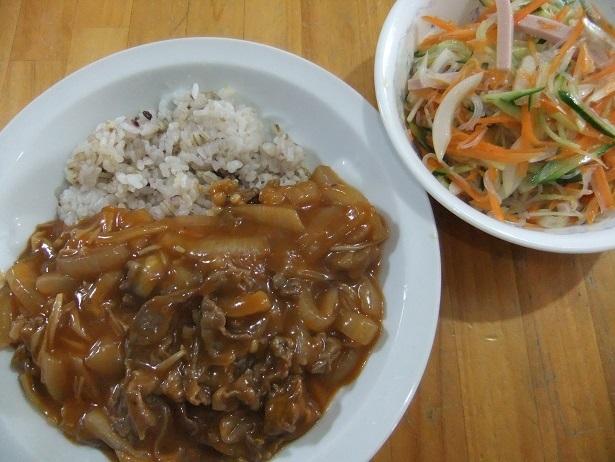 ハヤシライス、中華風サラダ