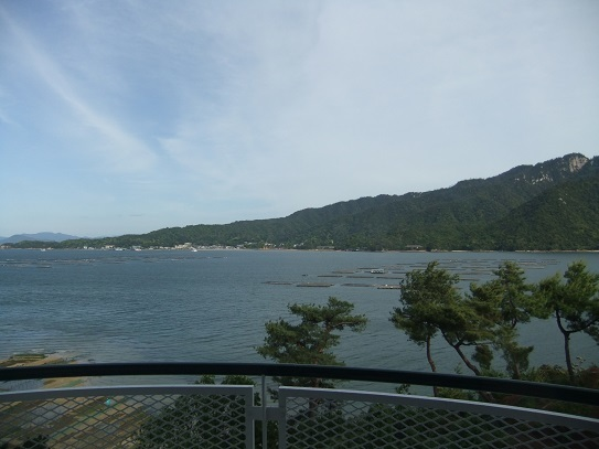 ホテルから見える宮島