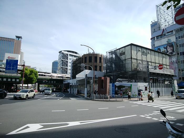 Hankyu-Sannomiya-01.jpg