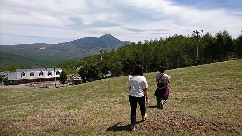 ゲレンデをお散歩♪蓼科山もきれいに見える♪
