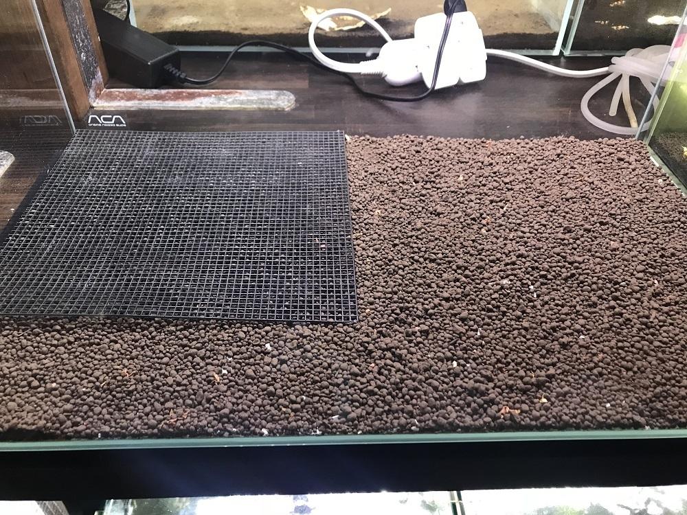 えび繁殖水槽底面式フィルター