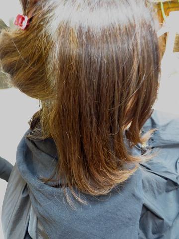 思わず触りたくなるような艶やかな美髪 サイエンスアクアのモイスチャカラーで簡単に出来ます
