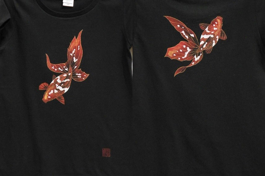 手描きTシャツ 金魚
