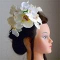 結婚式髪飾り・2種類の胡蝶蘭で優美に