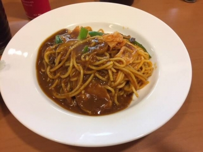 171129cafe LILAS 梅田駅3階店カレーナポリタンセット750円ナポリタンのカレーがけ