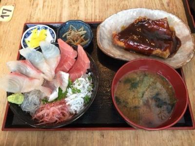 171202大間新栄丸地魚丼の鮪のスペアリブ付き1200円
