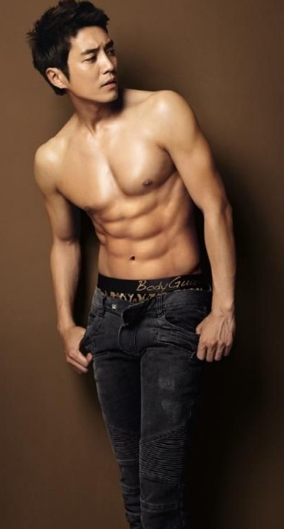 86fb799818e961d116acba59abf8187e--hot-korean-guys-korean-men.jpg
