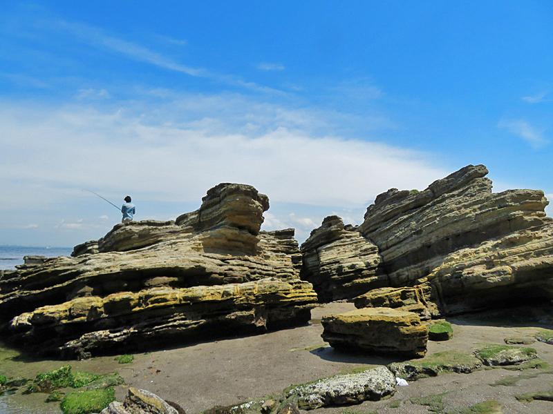 180430,観音崎の奇岩と灯台残骸3
