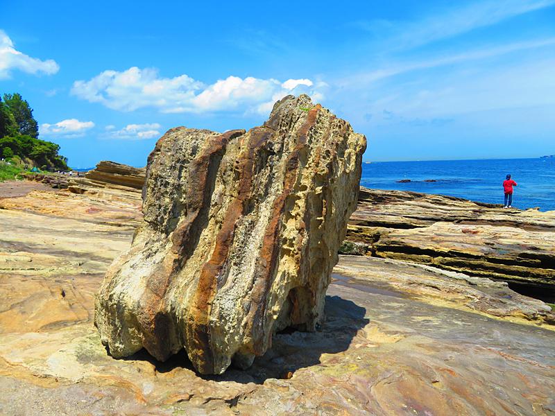 180430,観音崎の奇岩と灯台残骸4