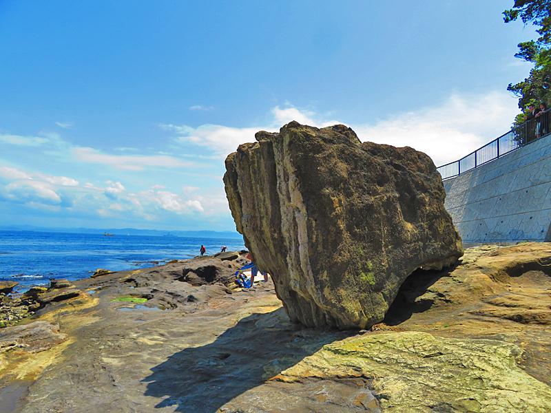 180430,観音崎の奇岩と灯台残骸5