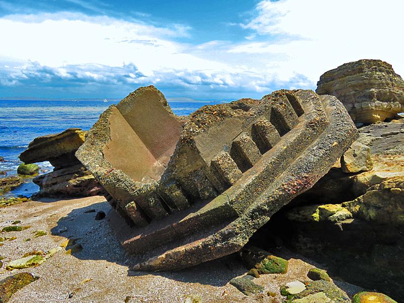 180430,観音崎の奇岩と灯台残骸6