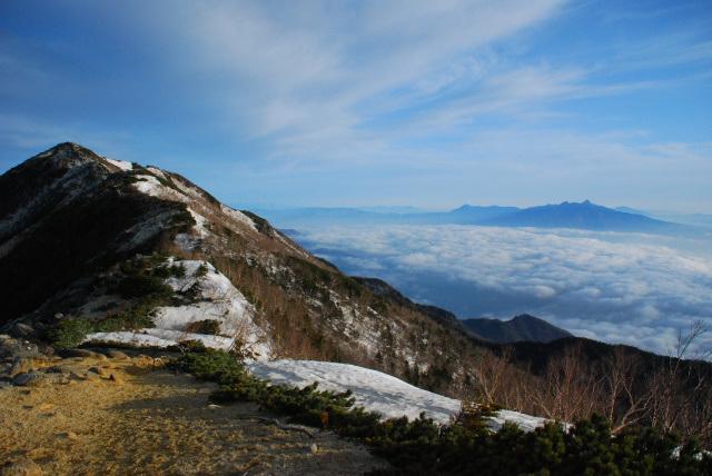 鳳凰三山_稜線_薬師岳から観音岳