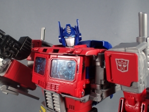 Transformers Generations Power of the Primes Leader Evolution Optimus Prime (1)