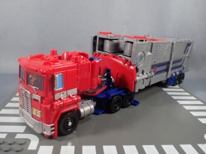 Transformers Generations Power of the Primes Leader Evolution Optimus Prime (5)