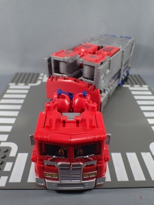 Transformers Generations Power of the Primes Leader Evolution Optimus Prime (6)