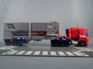 Transformers Generations Power of the Primes Leader Evolution Optimus Prime (8)