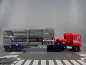 Transformers Generations Power of the Primes Leader Evolution Optimus Prime (9)