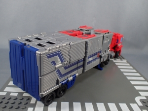 Transformers Generations Power of the Primes Leader Evolution Optimus Prime (7)