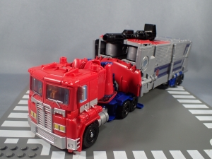 Transformers Generations Power of the Primes Leader Evolution Optimus Prime (15)