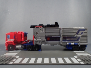 Transformers Generations Power of the Primes Leader Evolution Optimus Prime (16)