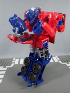 Transformers Generations Power of the Primes Leader Evolution Optimus Prime (18)