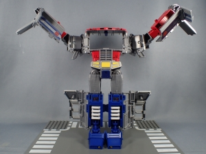 Transformers Generations Power of the Primes Leader Evolution Optimus Prime (24)