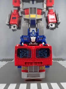 Transformers Generations Power of the Primes Leader Evolution Optimus Prime (26)