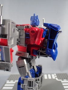 Transformers Generations Power of the Primes Leader Evolution Optimus Prime (27)