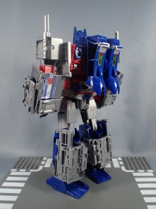 Transformers Generations Power of the Primes Leader Evolution Optimus Prime (31)