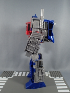 Transformers Generations Power of the Primes Leader Evolution Optimus Prime (32)