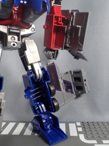Transformers Generations Power of the Primes Leader Evolution Optimus Prime (36)