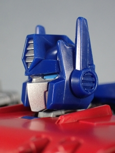 Transformers Generations Power of the Primes Leader Evolution Optimus Prime (34)