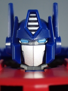 Transformers Generations Power of the Primes Leader Evolution Optimus Prime (33)