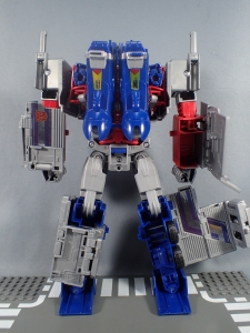 Transformers Generations Power of the Primes Leader Evolution Optimus Prime (35)