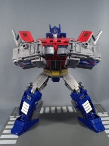 Transformers Generations Power of the Primes Leader Evolution Optimus Prime (39)