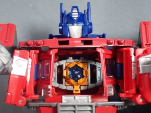 Transformers Generations Power of the Primes Leader Evolution Optimus Prime (41)