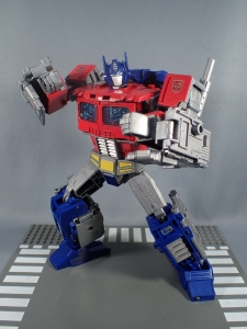 Transformers Generations Power of the Primes Leader Evolution Optimus Prime (48)