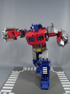 Transformers Generations Power of the Primes Leader Evolution Optimus Prime (49)