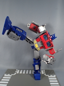 Transformers Generations Power of the Primes Leader Evolution Optimus Prime (52)