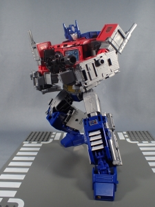 Transformers Generations Power of the Primes Leader Evolution Optimus Prime (58)