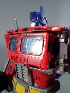 Transformers Generations Power of the Primes Leader Evolution Optimus Prime (63)