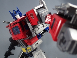 Transformers Generations Power of the Primes Leader Evolution Optimus Prime (61)