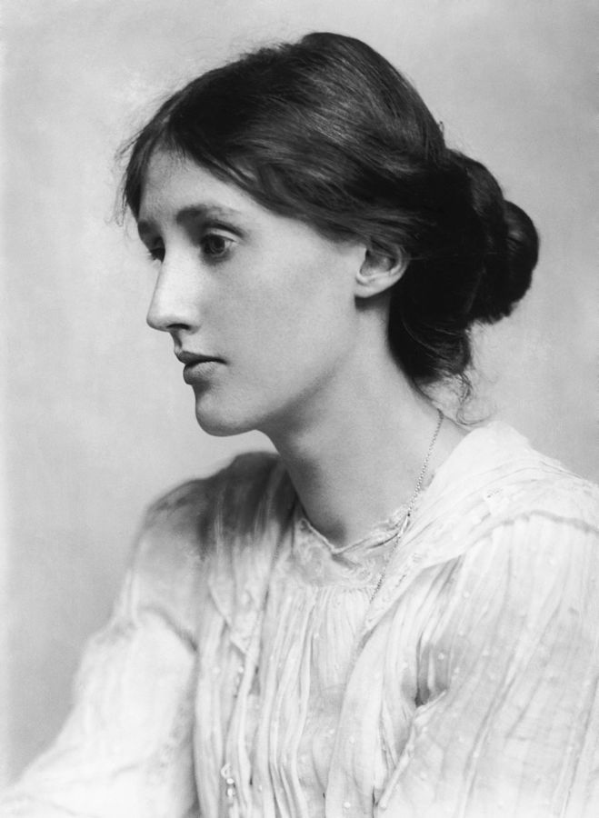 Virginia_Woolf_in_1902_-_Restoration.jpg