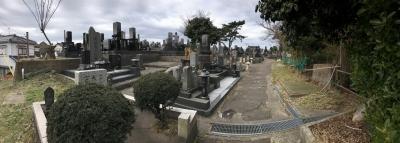 主郭らしき場所の内部(墓地)