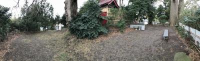 稲荷神社の裏手