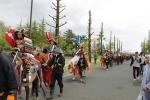 金ヶ崎 神輿、騎馬武者行列、稚児行列出発