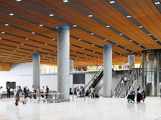 新マクタン空港