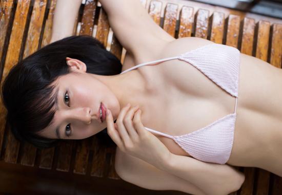 吉岡里帆 AKB土饅頭.jpg